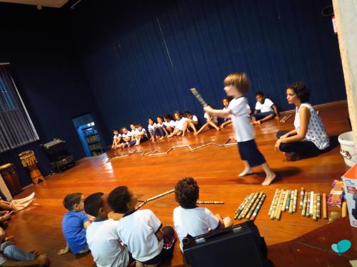 Dance class at Emei Santos Dumont